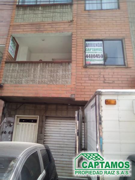 Casa-Local disponible para Ambos en Medellin con un valor de $1,400,000 - $300,000,000 código 818